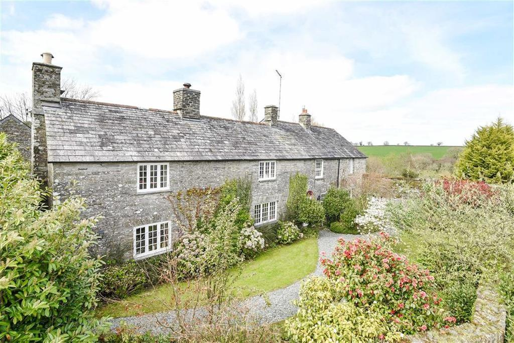 5 Bedrooms Detached House for sale in Illand, Launceston, Cornwall, PL15