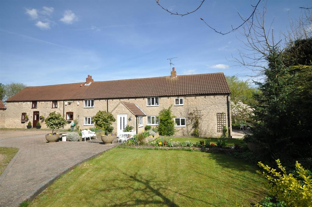 3 Bedrooms Semi Detached House for sale in Spring Farm House, Sookholme Road, Sookholme
