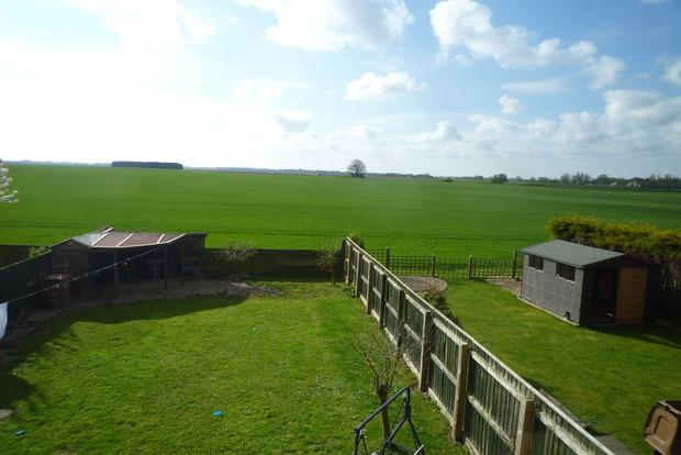 3 Bedrooms Detached House for sale in Front Road, Murrow, PE13