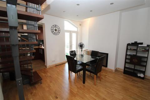 2 bedroom terraced house to rent - Clarence Road, Harborne Village
