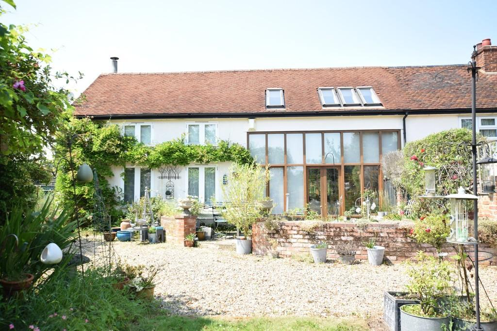 4 Bedrooms End Of Terrace House for sale in Finch Hill, Bulmer, Sudbury