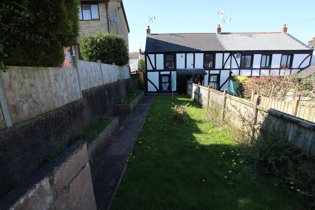 2 Bedrooms Cottage House for rent in Chapel Road, Morganstown