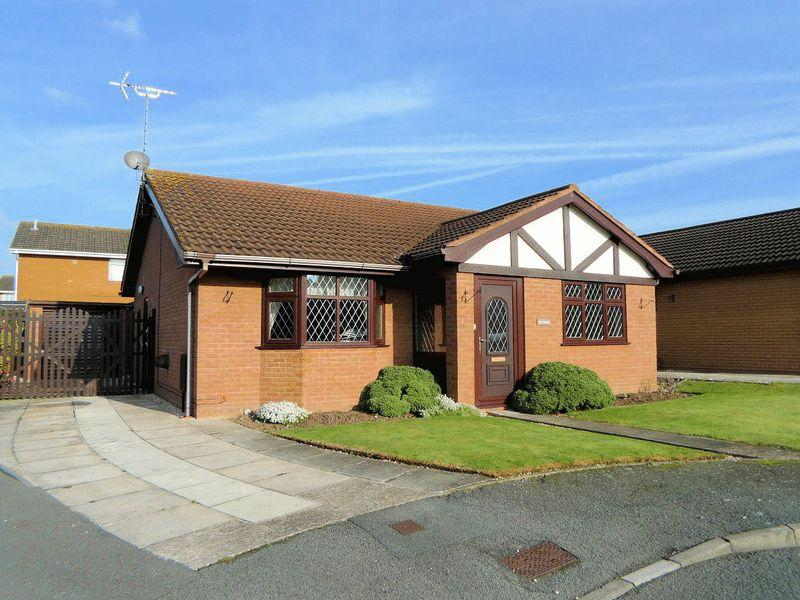 2 Bedrooms Detached Bungalow for sale in Hammond Court, Rhyl