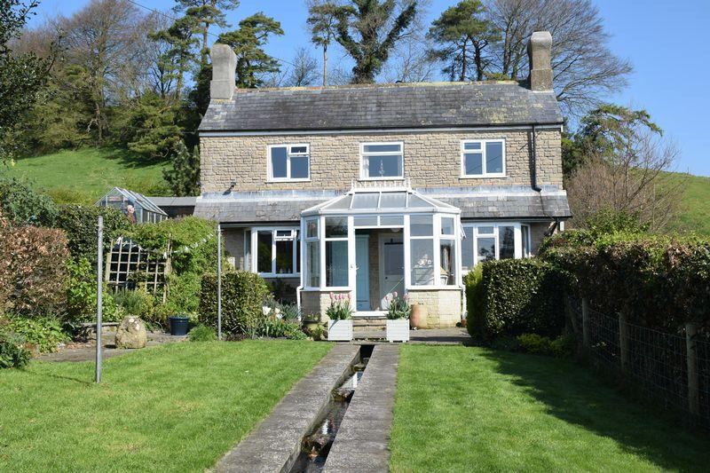 3 Bedrooms Detached House for sale in SEABOROUGH, BEAMINSTER