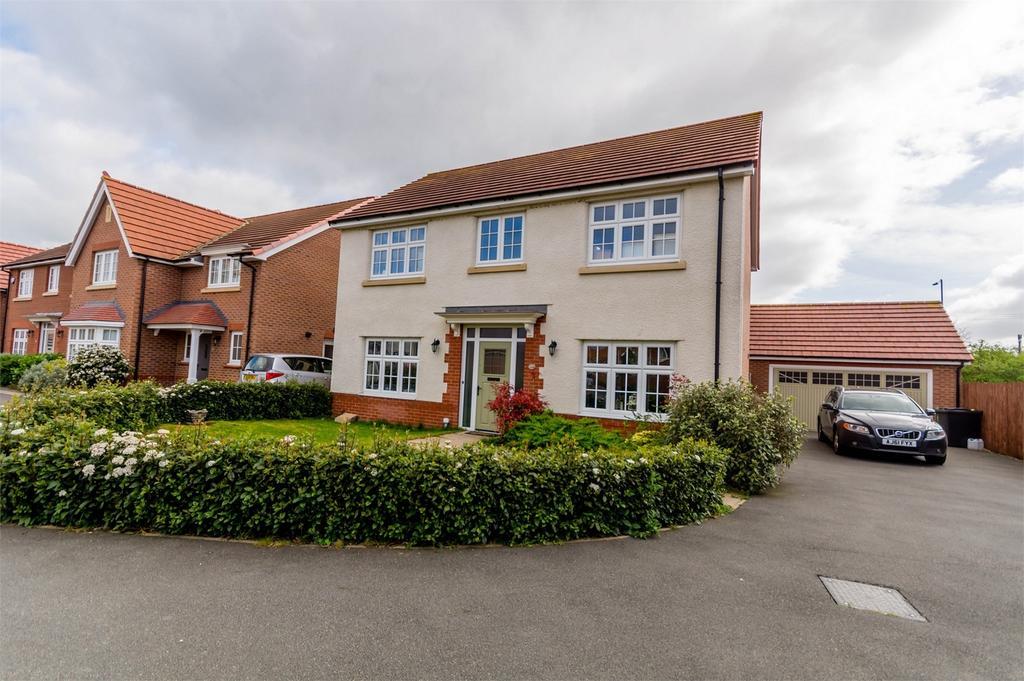 4 Bedrooms Detached House for sale in Saxon Mews, Sherburn in Elmet, LEEDS, North Yorkshire