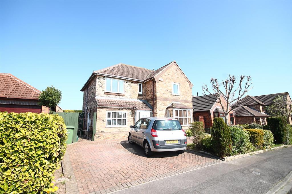 3 Bedrooms Detached House for sale in Thorington Gardens, Ingleby Barwick, Stockton-On-Tees