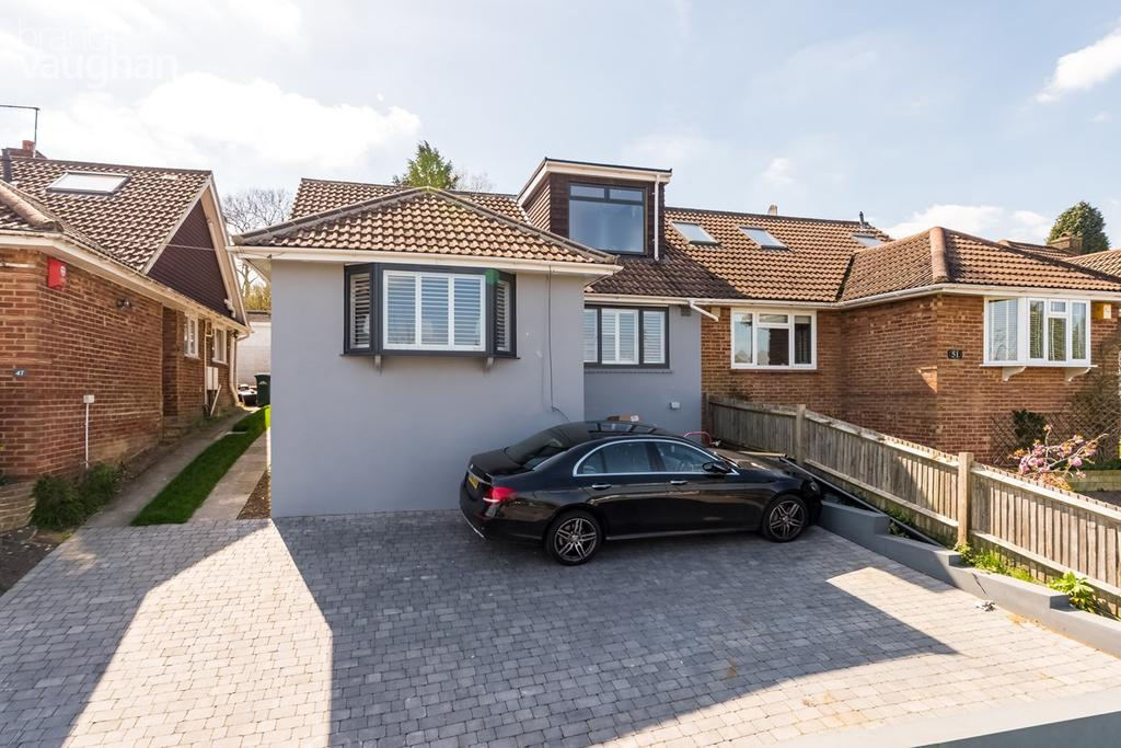 4 Bedrooms Semi Detached Bungalow for sale in Hillcrest, Brighton, BN1