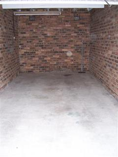 Garage to rent - Comely Bank Row