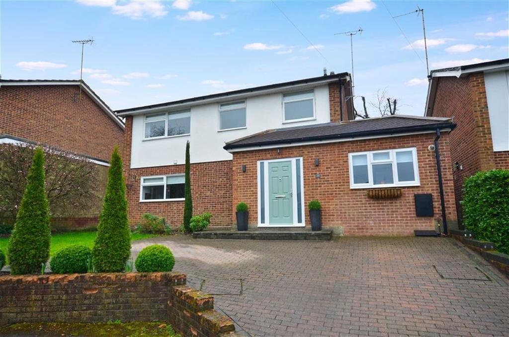 4 Bedrooms Detached House for sale in Lawford Avenue, Chorleywood, Hertfordshire