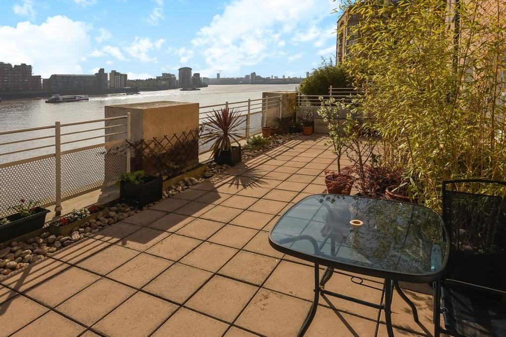 3 Bedrooms Flat for sale in Odessa Street, Surrey Quays