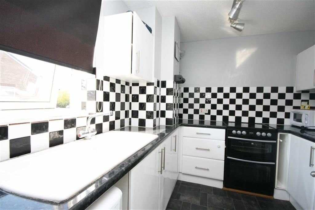 2 Bedrooms Apartment Flat for sale in Lake Drive, Peacehaven