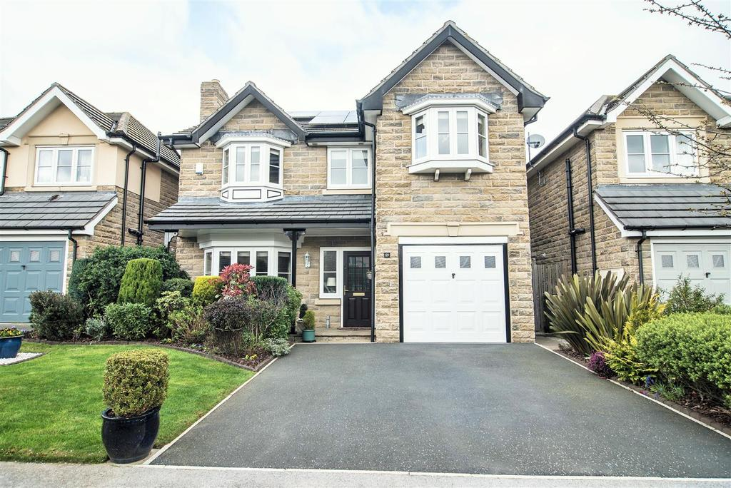 4 Bedrooms Detached House for sale in Baildon Way, Skelmanthorpe, Huddersfield, HD8 9GY