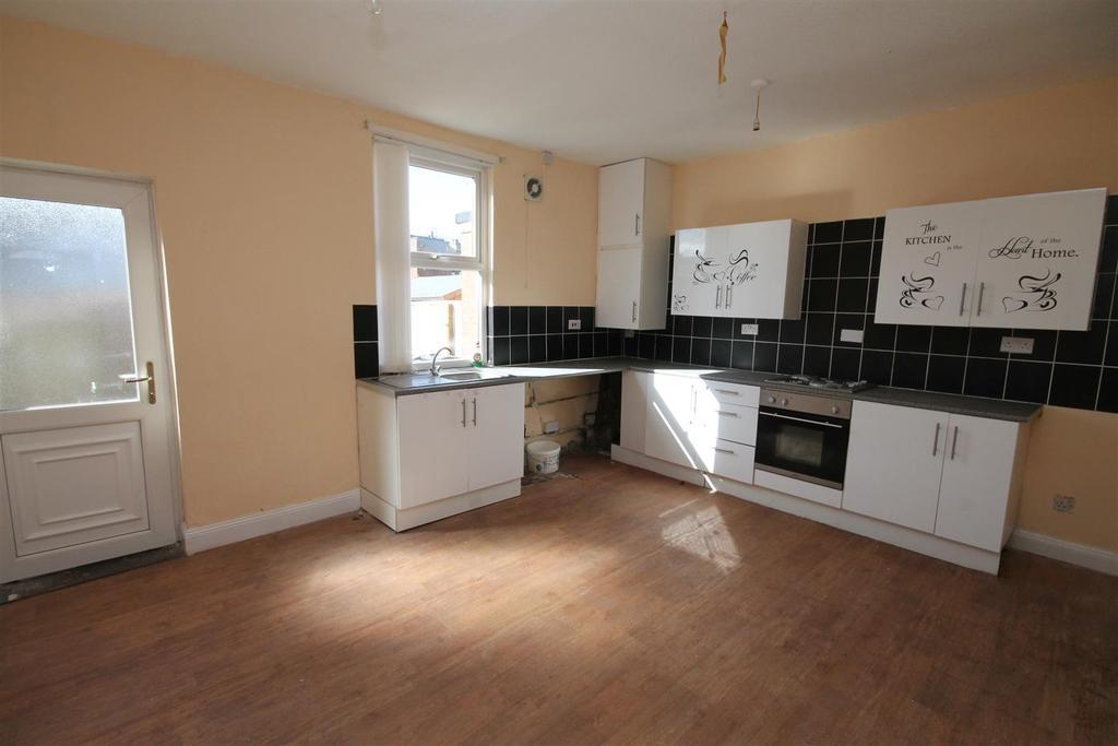 3 Bedrooms Terraced House for sale in Farrer Street, Darlington