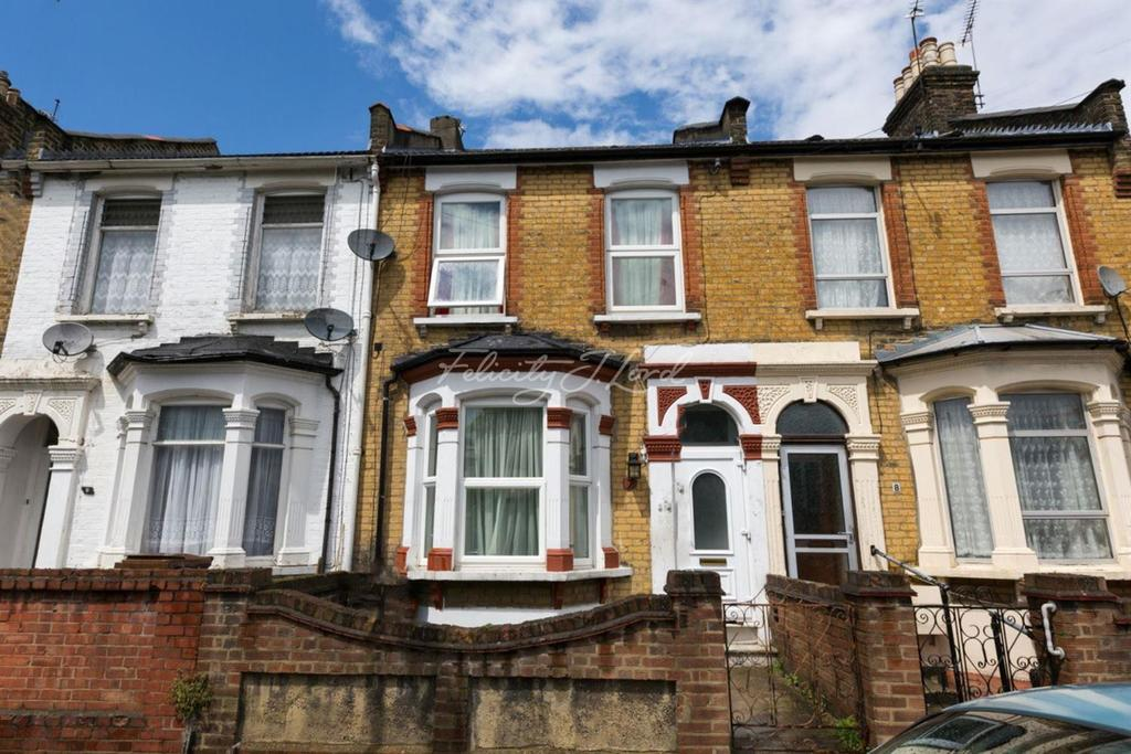 3 Bedrooms Terraced House for sale in Clone Road, Clapton, E5