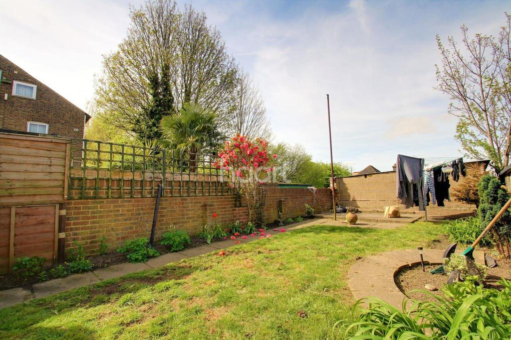 3 Bedrooms Detached House for sale in Melville Road, ME15