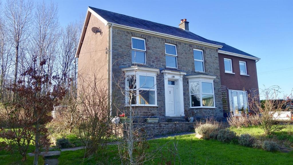 5 Bedrooms Detached House for sale in Nantrhibo, Llandeilo