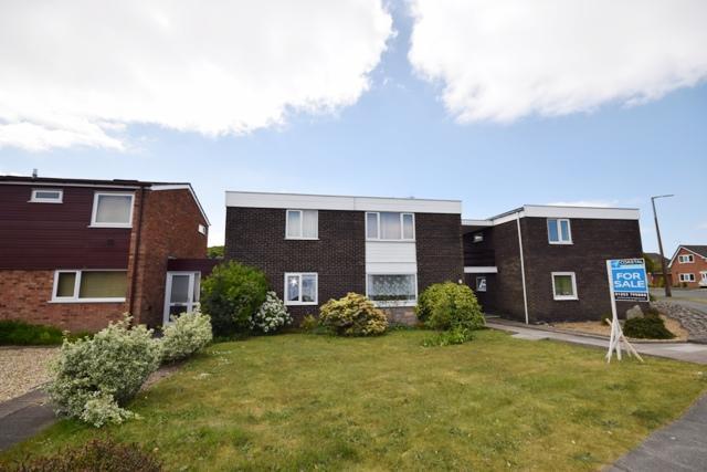 2 Bedrooms Flat for sale in Alder Grove, St Annes, FY8