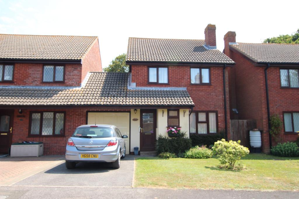 3 Bedrooms Link Detached House for sale in BLACKFIELD