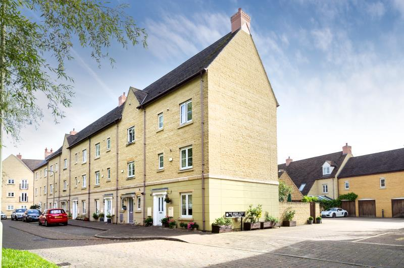 5 Bedrooms Terraced House for sale in New Bridge Street, Witney, Oxfordshire