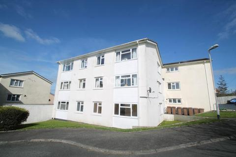 3 bedroom flat for sale - Barne Close, Barne Barton
