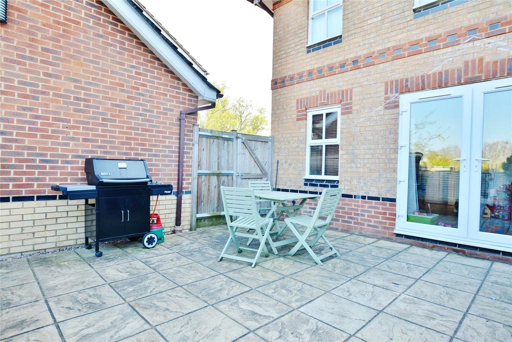 Cherry Hills Watford Hertfordshire Wd19 3 Bed End Of Terrace House 400 000
