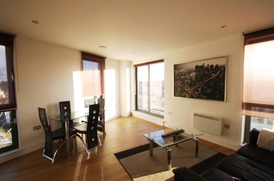 2 Bedrooms Apartment Flat for sale in ECHO CENTRAL TWO, CROSS GREEN LANE, LEEDS, LS9 8NQ