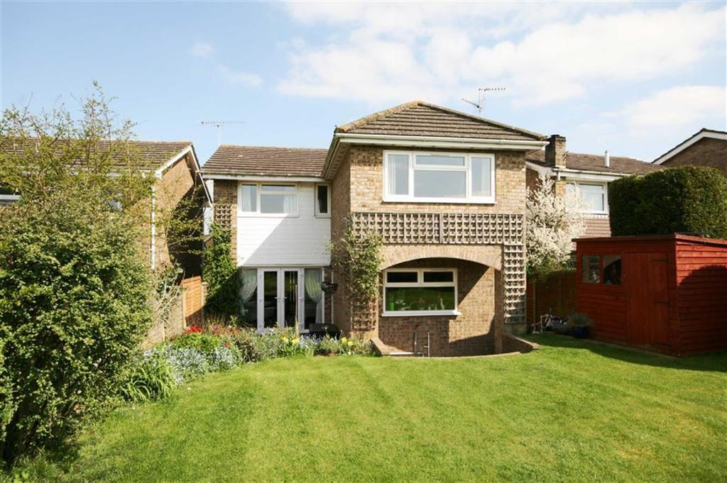 4 Bedrooms Detached House for sale in Monks Walk, Buntingford