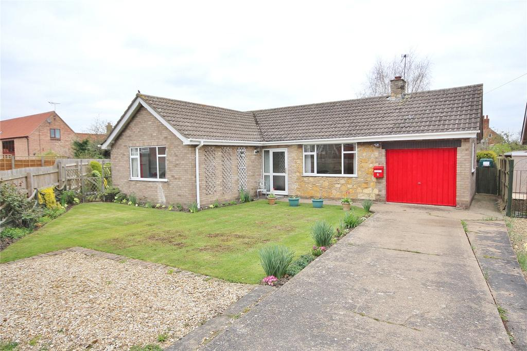 2 Bedrooms Detached Bungalow for sale in Meadow View, Swinderby, LN6