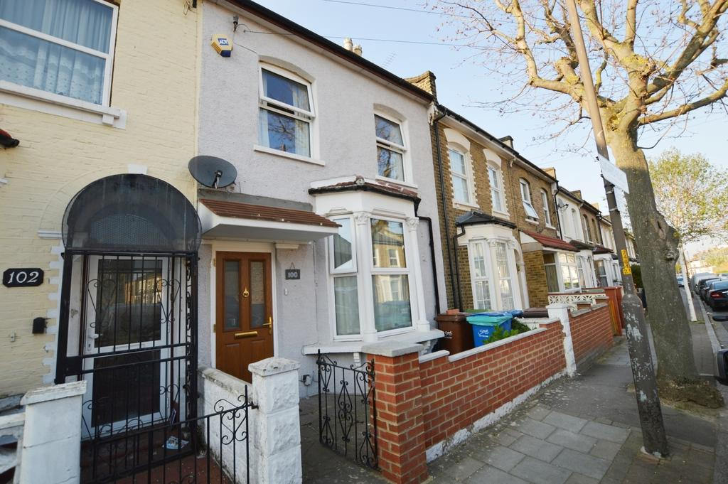 3 Bedrooms Terraced House for sale in Lugard Road London SE15