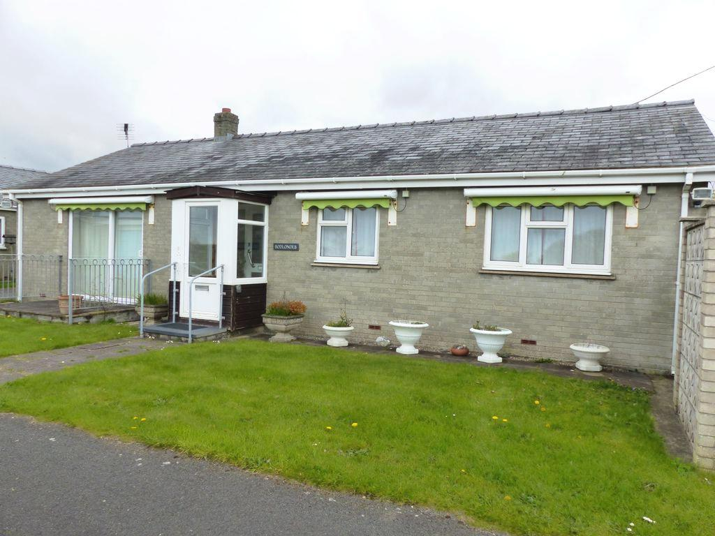 2 Bedrooms Bungalow for sale in Bodlondeb, Talybont, LL43