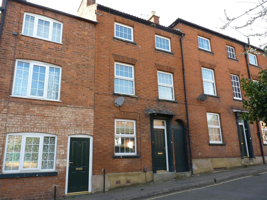 2 Bedrooms Town House for sale in Mill Hill Road, Market Harborough
