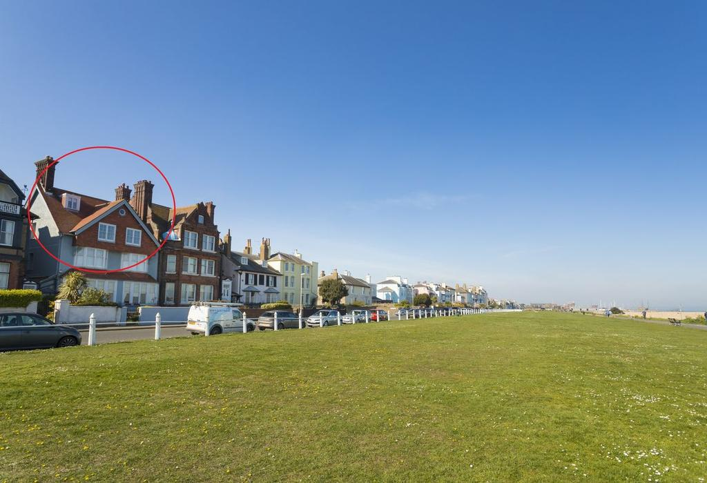 3 Bedrooms Maisonette Flat for sale in The Beach, Walmer