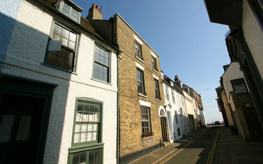 4 Bedrooms Town House for sale in 7 Coppin Street, Deal