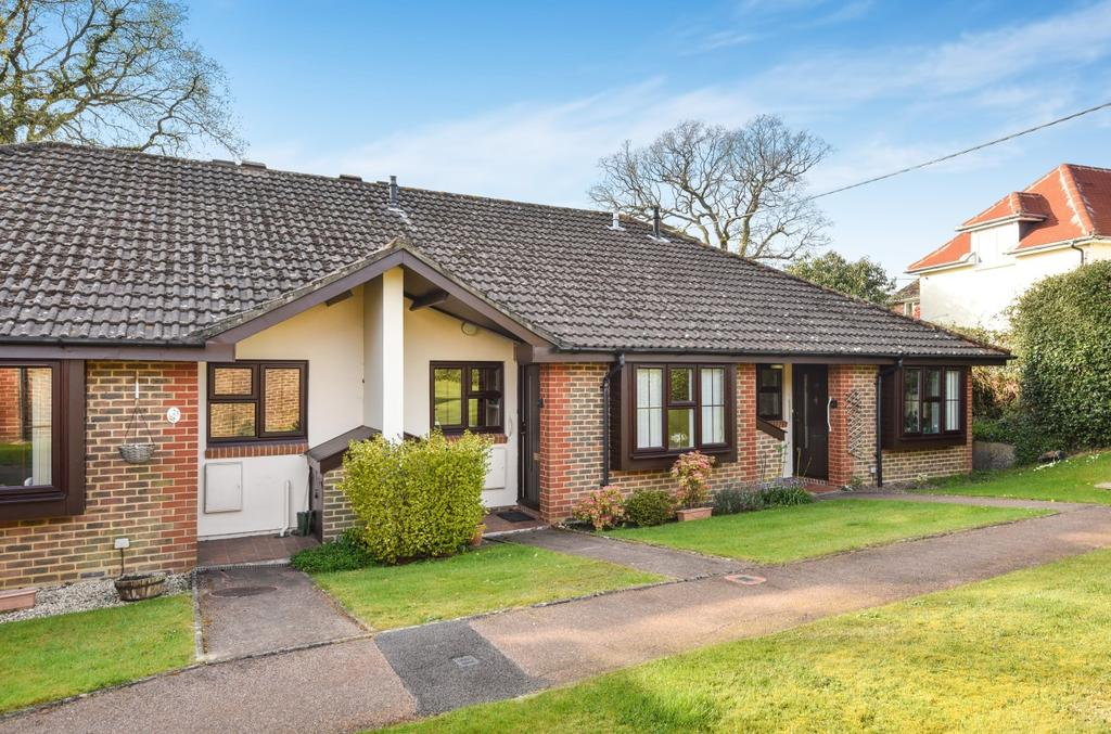 2 Bedrooms Terraced Bungalow for sale in Ash Grove, Fernhurst, Haslemere, GU27