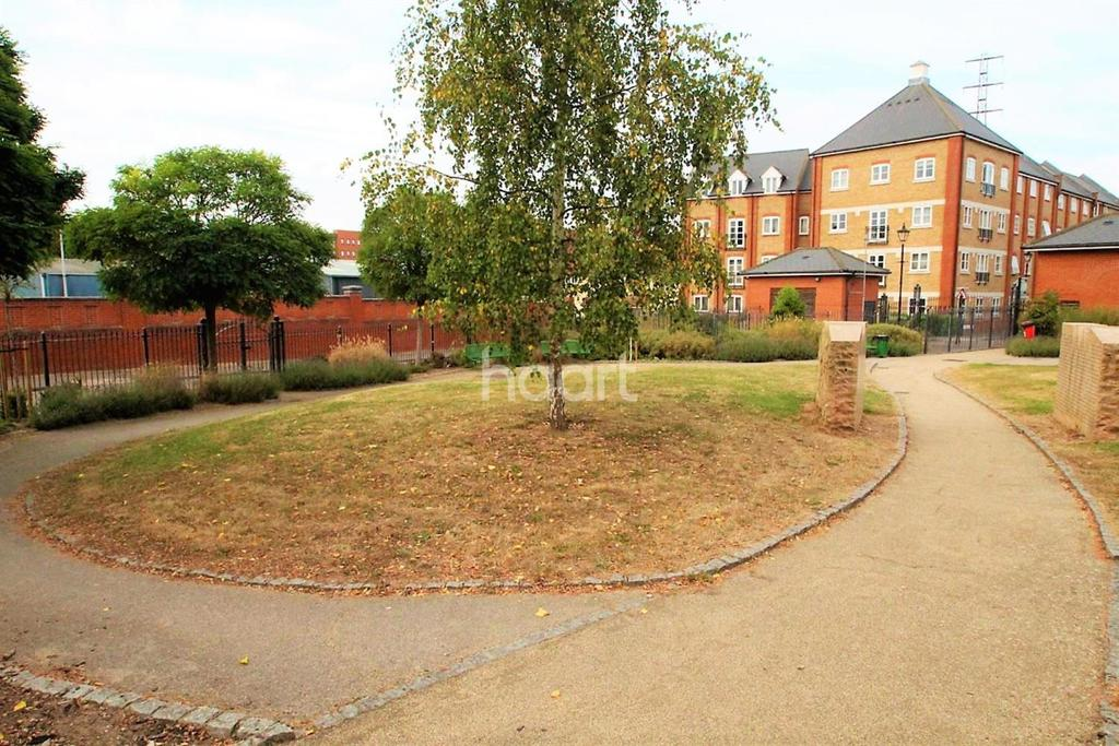 2 Bedrooms Flat for sale in Colchester