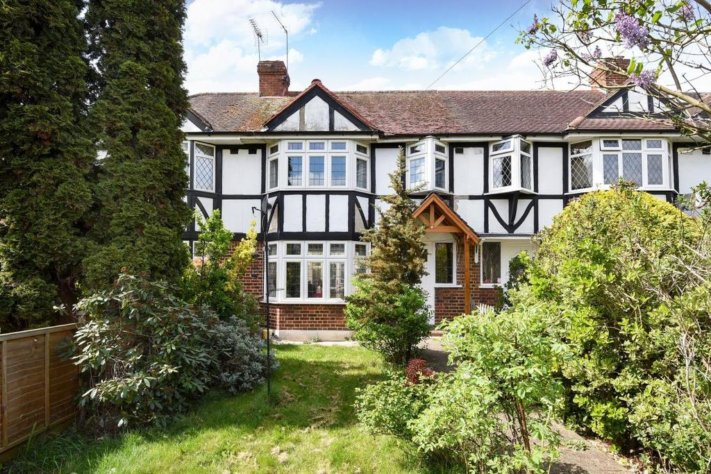 3 Bedrooms Semi Detached House for sale in Wolsey Drive, Kingston upon Thames