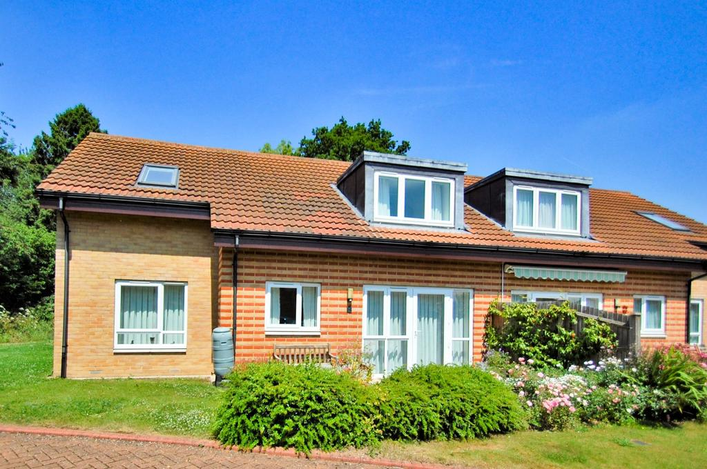 3 Bedrooms House for sale in Chairmans Walk, Denham Garden Village, Denham, UB9