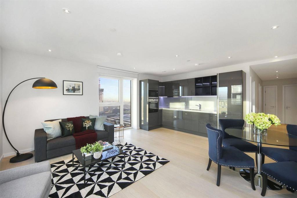 1 Bedroom Flat for sale in Glasshouse Gardens, Montfichet Road, London, E20