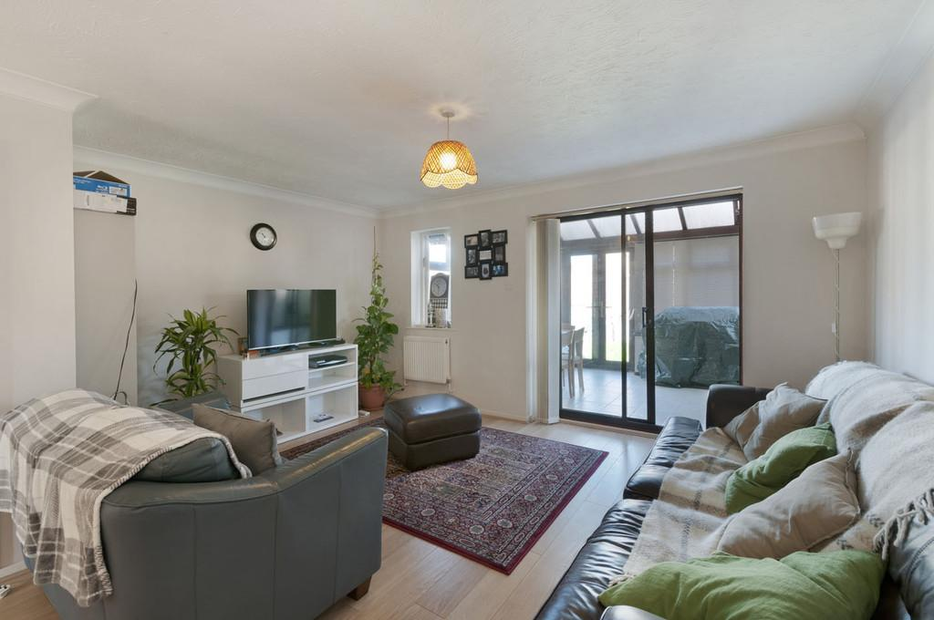 3 Bedrooms Terraced House for sale in Middle Mill Road, East Malling