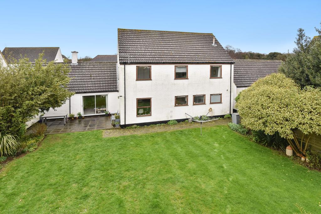 4 Bedrooms Link Detached House for sale in Malling Road, Teston