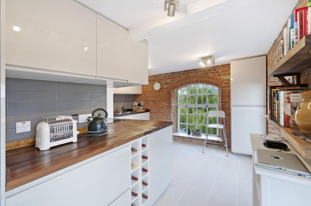2 Bedrooms Apartment Flat for sale in Mill Street, East Malling