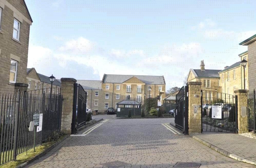 2 Bedrooms Apartment Flat for sale in Stoneleigh Court, Leeds, West Yorkshire