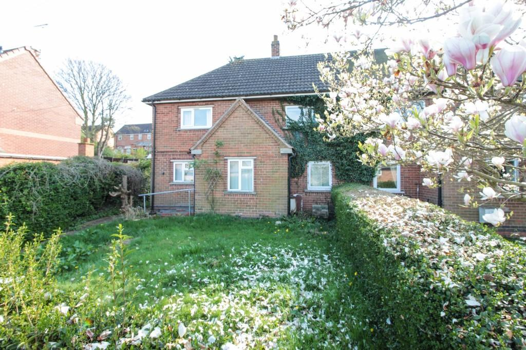 3 Bedrooms Semi Detached House for sale in Sutton Road, Kegworth