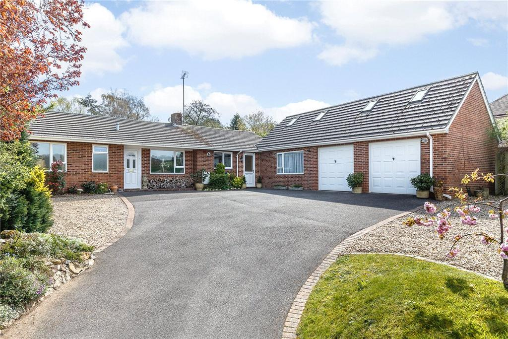 5 Bedrooms Bungalow for sale in Long Lane, Shaw, Newbury, Berkshire, RG14