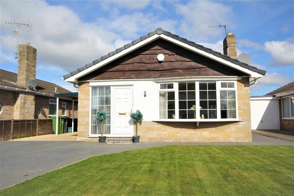 2 Bedrooms Detached Bungalow for sale in Hunterswood Way, Dunnington, York, YO19