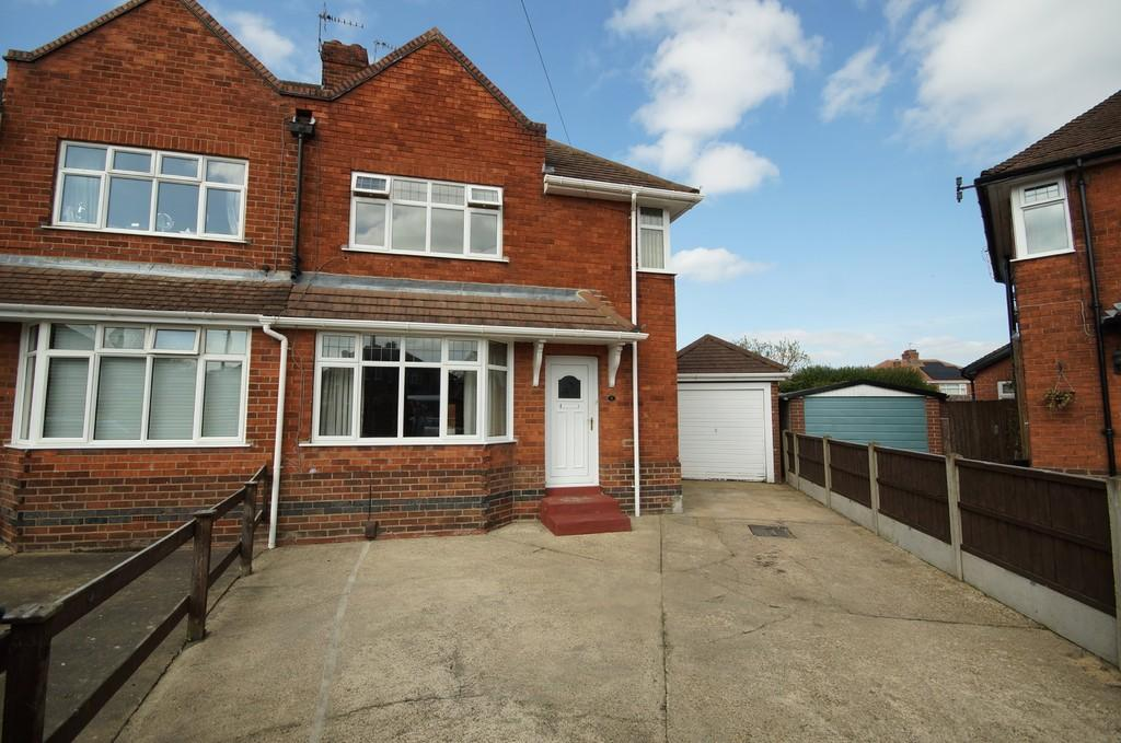 3 Bedrooms Semi Detached House for sale in Crane Grove, Lincoln