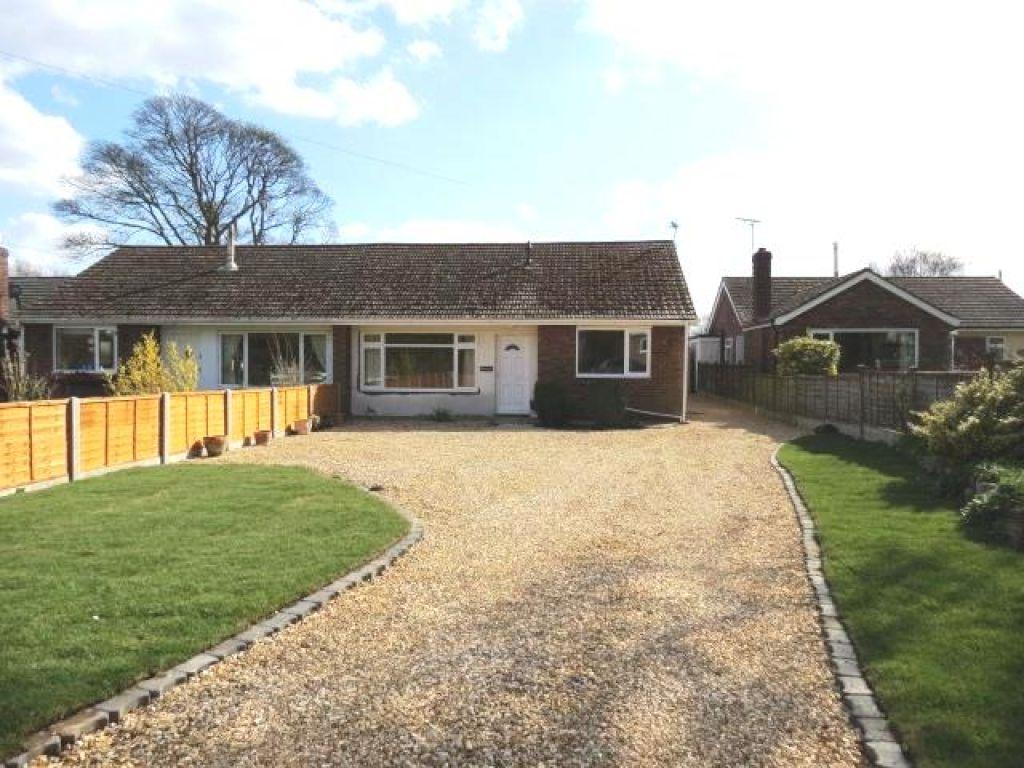 3 Bedrooms Semi Detached Bungalow for rent in Chapel Road, Fiskerton