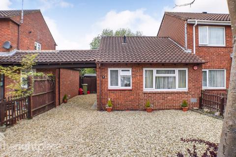 2 bedroom bungalow to rent - Challacombe, Furzton, MK4 1DP