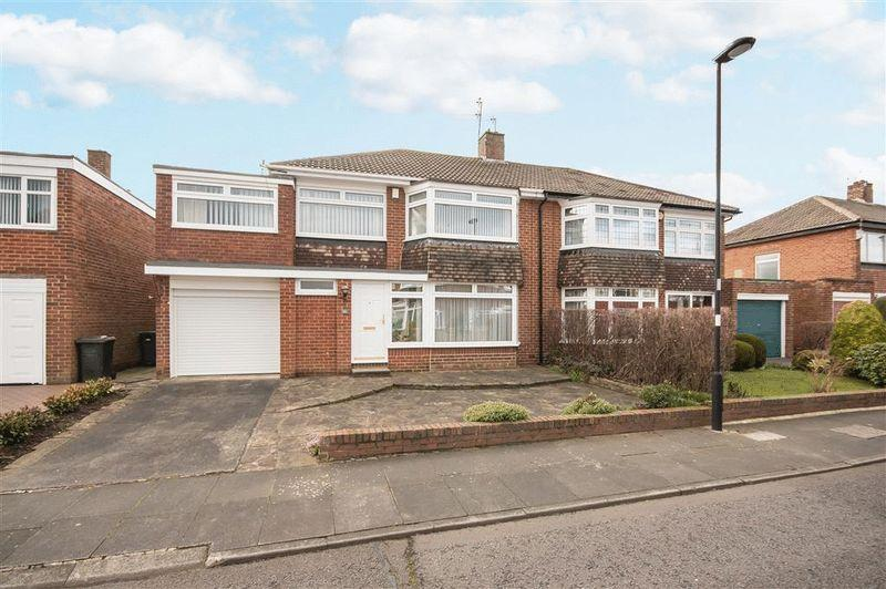 4 Bedrooms Semi Detached House for sale in Easedale Avenue, Melton Park, Newcastle Upon Tyne