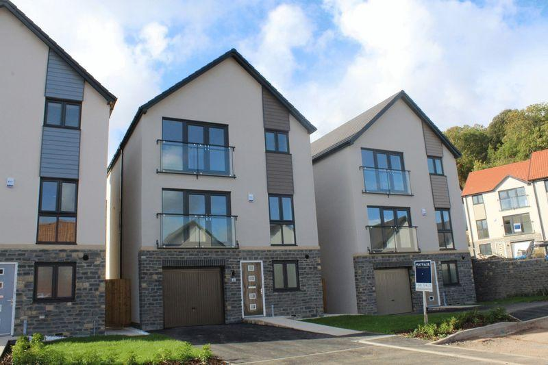 4 Bedrooms Detached House for sale in Milbury Gardens, Weston-Super-Mare